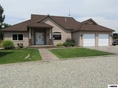 Yerington Single Family Home For Sale: 34 Fairway Dr.