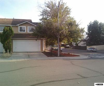 Sparks Single Family Home For Sale: 1666 Round Mountain Circle