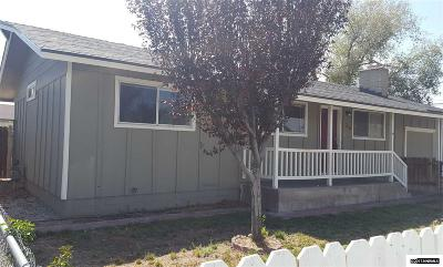 Fernley Single Family Home For Sale: 35 E Cedar