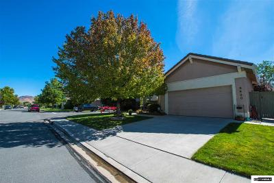 Washoe County Single Family Home For Sale: 9420 Oakley Ln