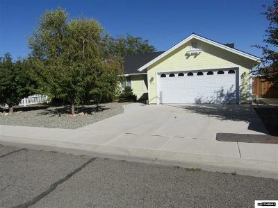 Yerington Single Family Home For Sale: 1012 Rosebud Way