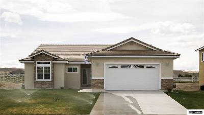 Fernley Single Family Home For Sale: 1472 Green River
