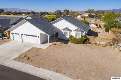 Fernley Single Family Home For Sale: 174 Jenny's