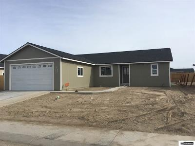 Fernley NV Single Family Home For Sale: $251,000