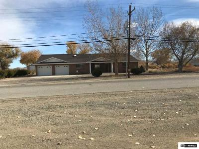 Yerington Single Family Home For Sale: 697 N Oregon St.