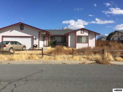 Fernley Single Family Home For Sale: 525 Aspen Way