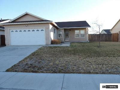 Fernley Single Family Home For Sale: 211 Emigrant
