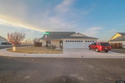 Fernley Single Family Home For Sale: 701 Tanglewood