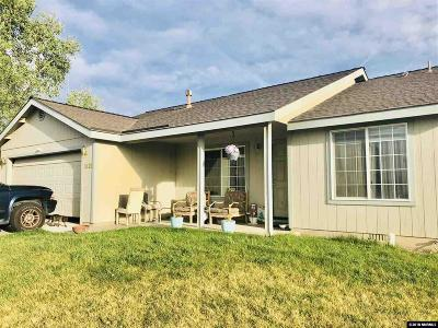 Fernley Single Family Home For Sale: 1621 Meadows Ave