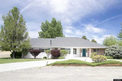 Yerington Single Family Home For Sale: 26 Fairway Dr