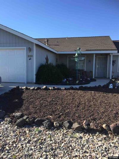 Fernley Single Family Home For Sale: 1698 Round Up