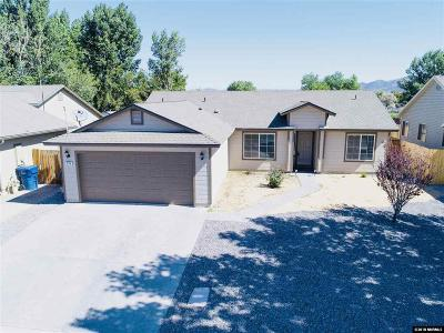 Fernley Single Family Home For Sale: 230 Heather Lane