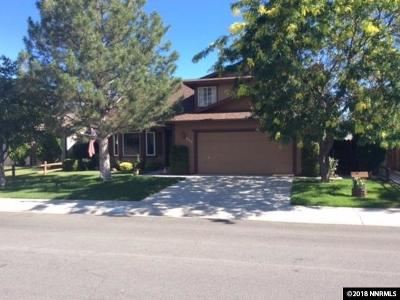Dayton Single Family Home For Sale: 249 Woodlake Circle