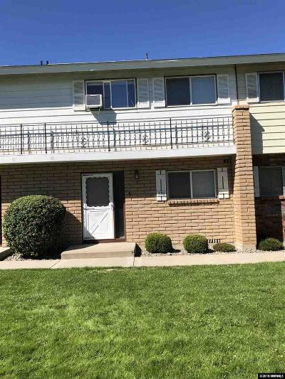Washoe County Condo/Townhouse For Sale: 586 Smthridge Park