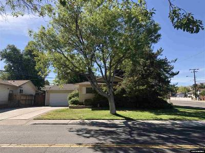 Reno Single Family Home Active/Pending-Loan: 695 Ibis Lane