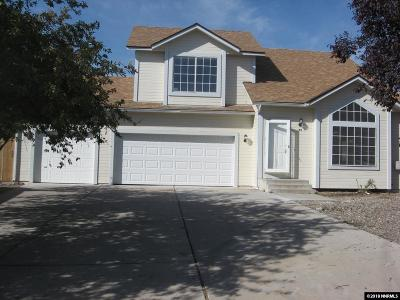 Sparks Single Family Home For Sale: 55 Roxy Ct.