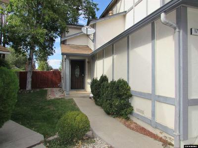 Sparks Single Family Home For Sale: 1712 Round Mountain Circle