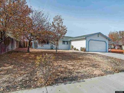 Dayton Single Family Home Active/Pending-Loan: 811 Overland Loop