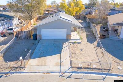 Fernley Single Family Home For Sale: 155 Comstock