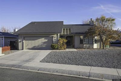 Dayton Single Family Home For Sale: 301 Pinehurst Ct