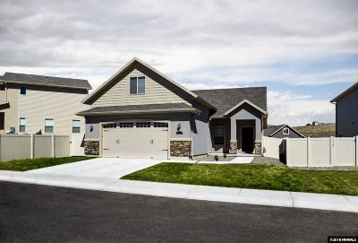 Fernley Single Family Home For Sale: 789 Divot Drive
