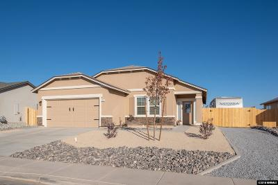 Fernley Single Family Home For Sale: 174 Walnut Dr