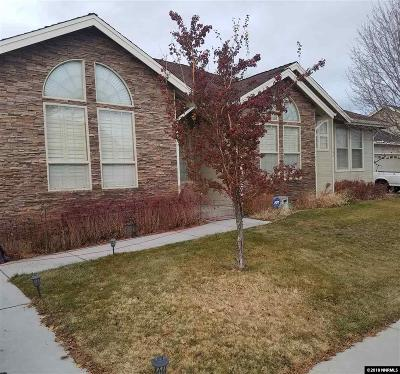 Dayton Single Family Home For Sale: 137 North Point Cir