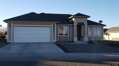 Fernley Single Family Home For Sale: 907 Julia