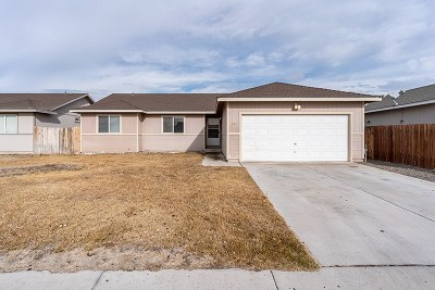 Fernley Single Family Home New: 264 Emigrant Way