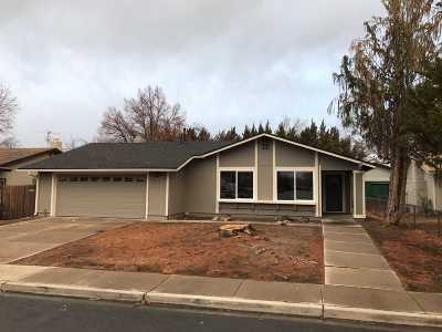 Sparks Single Family Home Active/Pending-Call: 1030 Robbie Way
