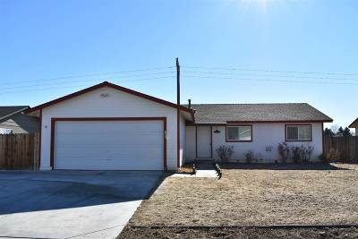 Dayton Single Family Home Active/Pending-Call: 2051 Lonnie Ln