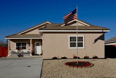 Fernley Single Family Home For Sale: 3026 Stillwater Way