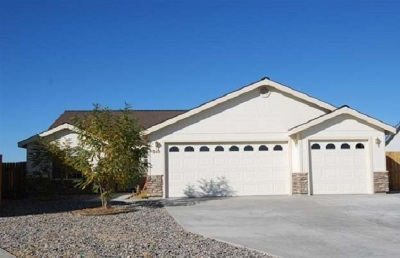 Fernley Single Family Home Active/Pending-Loan: 540 Brick Oven Ct