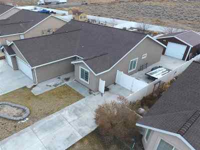 Fernley Single Family Home Active/Pending-House: 1330 White Bluffs Circle