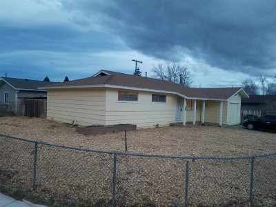 Sparks Single Family Home For Sale: 3360 Delna