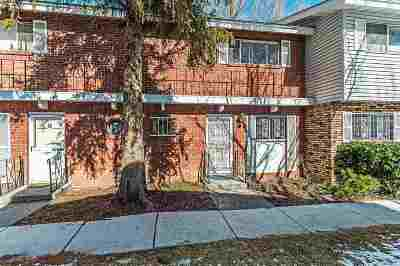 Reno Condo/Townhouse For Sale: 61 Smithridge Park