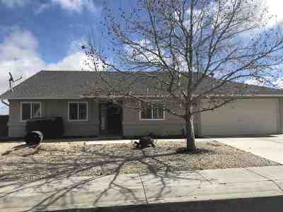 Fernley Single Family Home Active/Pending-Loan: 1061 Pepper Lane