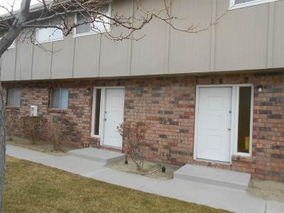 Reno, Sparks, Carson City, Gardnerville Condo/Townhouse For Sale: 1318 Green Drive