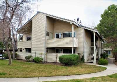 Sparks Condo/Townhouse Active/Pending-Call: 2142 Roundhouse Road