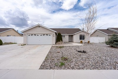 Fernley Single Family Home Active/Pending-Loan: 1460 Grey Bluffs Dr