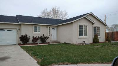 Fernley Single Family Home For Sale: 1952 Three Iron Ct