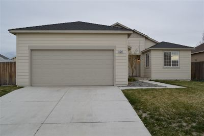 Fernley Single Family Home For Sale: 1517 Crestview Rd