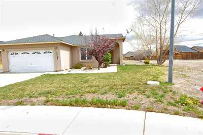 Fernley Single Family Home For Sale: 1526 Golf Court