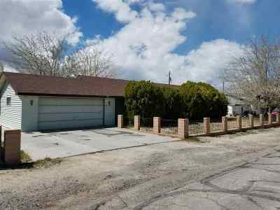 Single Family Home For Sale: 235 L Street
