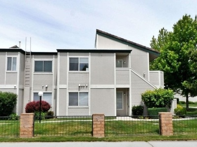 Sparks Condo/Townhouse Active/Pending-Loan: 2673 Sycamore Glen #3