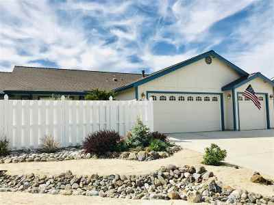 Single Family Home Active/Pending-House: 1573 Reese River Rd