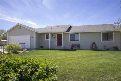 Fernley Single Family Home Active/Pending-Loan: 127 Diamond Way