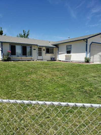 Dayton Single Family Home For Sale: 555 Yellow Jacket Rd