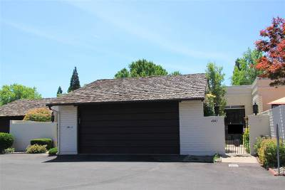 Washoe County Condo/Townhouse For Sale: 4841 Lakeridge Terrace West