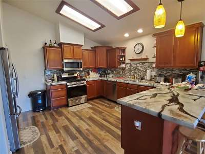 Fernley Single Family Home For Sale: 191 Jennys